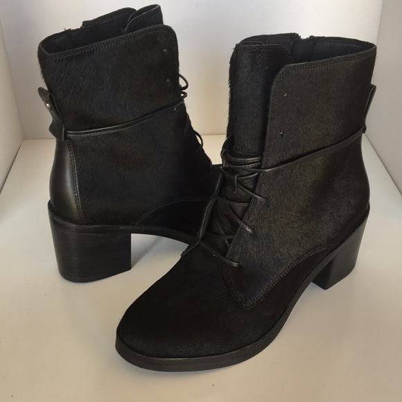 dbf9239b191 ❤️New Ugg Oriana Exotic Black Laced boots Sz 8